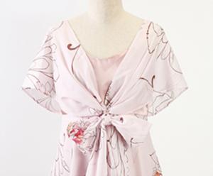 沖縄の結婚式で女性はかりゆしウェアを着用する?